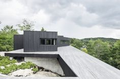 La Héronnière, off-grid home, off-grid, Ontario, Canada, Alain Carle Architecte, self-sufficient house, solar panels, solar power, reclaimed materials, green architecture