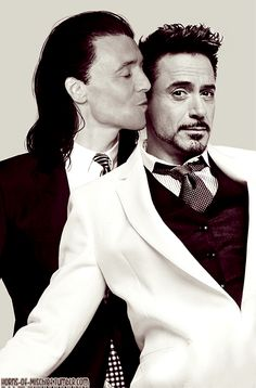 Tony's and Loki's wedding photo Finally found some time to update my tumblr's theme a little.
