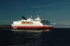 A Norwegian Hurtigruten photo delivered by bestnorwegian.com
