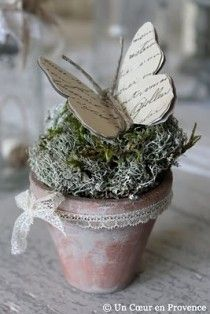 Cute decoration idea: lace ribbon tied to an old pot, fake moss and paper butterfly :) Book Crafts, Diy And Crafts, Flores Diy, Butterfly Crafts, Butterfly Table, Butterfly Shape, Deco Floral, Spring Crafts, Easter Crafts