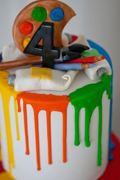 Una tarta muy chulo para una fiesta arte / A really cool cake for an art party