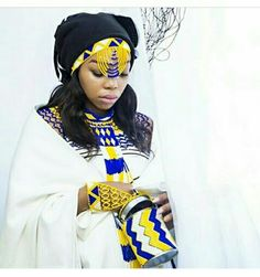 African Traditional Wedding Dress, African Fashion Traditional, African Wedding Dress, African Inspired Fashion, African Fashion Dresses, Traditional Dresses, Traditional Weddings, Traditional Design, Xhosa Attire