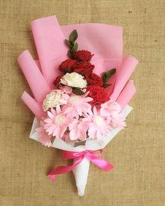 Custom flowers by lovely customer  . .  #felt_id #felt #feltflowers #feltgarland #feltbouquet #flanel #bungaflanel #bungaflaneljogja #buketflanel #buketflaneljogja  #buketwisuda #buketpengantin #kadobunga #kadowisuda #handmade #handmadeisbetter #handmadewithlove #supporthandmade #craft #creatorslane #uny #customflower #supportsmallbusiness #etsy #etsyindonesia #tapfordetails