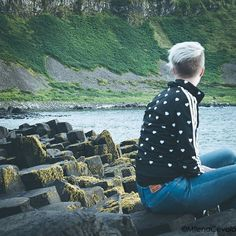 Sitting on the top of the Giant's Caseway  #ireland #sea #travel #landscape #landscape_lovers #landscape_captures #landscapephotography #landscapelovers #giantscauseway #stones #ireland #sitting
