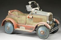 what a wonderful pedal car. Antique Toys, Vintage Toys, Berg Go Kart, Kids Motor, Antique Motorcycles, Antique Trucks, Power Cars, Kids Ride On, Pedal Cars