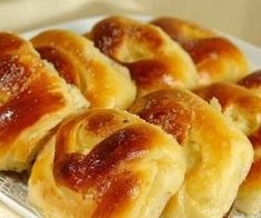 Turte cu iaurt si cascaval Bulgarian Recipes, Apple Pie, Doughnut, Mozzarella, French Toast, Food And Drink, Baking, Breakfast, Cake