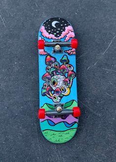 Painted Skateboard, Skateboard Deck Art, Skateboard Design, Skateboard Girl, Penny Skateboard, Skateboard Outfits, Custom Skateboard Decks, Cool Skateboards, Custom Skateboards