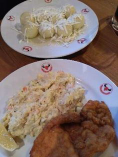 Fruit dumplings and chicken and potato salad in Prague. Czech Food, Czech Recipes, Dumplings, Prague, Potato Salad, Potatoes, Meat, Chicken, Fruit