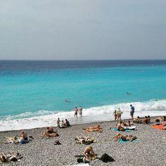Mi optimismo sirvio para que el sol nos de la chance de banarnos en el mar.... adios Nice.