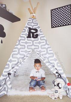 Black and white Kids room. Diy Teepee