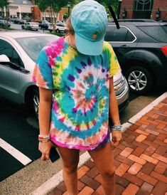 p i n t e r e s t sarah elizabeth Camisa Hippie, Summer Outfits, Cute Outfits, Tie Dye Shirts, Tye Dye, College Outfits, Nice Dresses, Vsco, Stylish