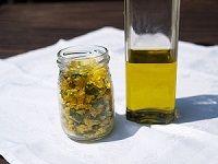 Třezalka a Janův olej   Bylinky Naturius. Zdraví a krása z boží lékárny