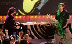 USA - Nickelodeon's 19th Annual Kids' Choice Awards - Ceremony; Robin Williams (R) gets slimed by show host Jack Black at the 19th annual Nickelodeon's Kids' Choice awards held at the UCLA's Pauley Pavillion in Los Angeles. 01 April 2006. © Mario Anzuoni/Reuters/Corbis