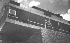Vista de la fachada posterior, Casa Siqueiros, Palacio Versalles 115, Lomas de Reforma, Miguel Hidalgo, México, DF 1950  Arq. Manuel González Rul -  View of the rear facade, Casa Siqueiros, Palacio Versailles 115, Lomas de Reforma, Miguel Hidalgo, Mexico City 1950