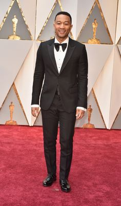 John Legend's oversized bowtie he matched with his Gucci tux is just quirky enough to stand out. (Getty)  via @AOL_Lifestyle Read more: https://www.aol.com/article/entertainment/2017/02/26/oscars-2017-red-carpet-arrivals/21722185/?a_dgi=aolshare_pinterest#fullscreen