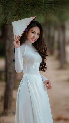 Girl for game Vietnamese Traditional Dress, Vietnamese Dress, Traditional Dresses, Beautiful Girl Image, Beautiful Asian Women, Ao Dai, Asian Hotties, Indian Dresses, Asian Woman