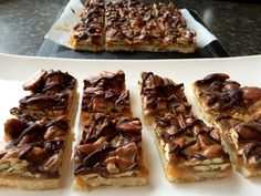 Mennonite Girls Can Cook: Caramel Pecan Shortbread Bars Amish Recipes, Baking Recipes, Cookie Recipes, Bar Recipes, Pecan Bars, Shortbread Bars, Cookie Brownie Bars, Caramel Pecan, No Bake Bars