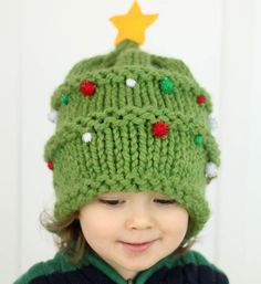 Knitted Christmas Tree Baby Hat Pattern | Get started now on this adorable Christmas knit!