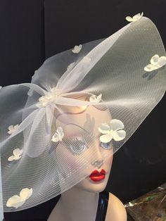 White Fascinator Headband Hydrangea Headband-White by doramarra Sombreros Fascinator, Green Fascinator, Ivory Fascinator, Fascinator Headband, Fascinators, Headpieces, Flower Headband Wedding, Flower Headpiece, Mardi Gras