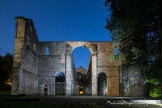 Klosterruine Paulinzella bei Nacht