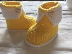 Tuto chaussons de bébé 0/3mois au tricot Baby Knitting Patterns, Knitting For Kids, Easy Knitting, Knitting Socks, Booties Crochet, Gestrickte Booties, Baby Layette, All Free Crochet, Baby Slippers