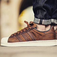 Adidas superstar uomo in nabuk marrone