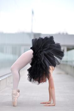 Wheel pose en Pointe  #yoga #dance #ballet