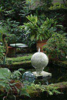 Water feature at courtyard garden in Charleston.