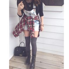 37 New Ideas Party Outfit Grunge High Socks Grunge Outfits, Outfits Casual, Grunge Fashion, 90s Fashion, Cute Outfits, Fashion Outfits, Womens Fashion, Fashion Trends, Fashion Clothes