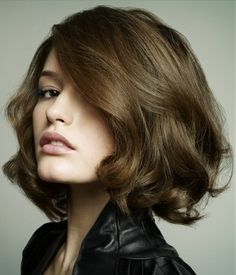 If I ever cut my hair off....I'd want it to look something like this...