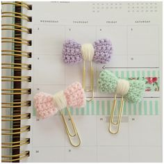 "NEW! Listed these ""spring"" bow planner clips with a cream center!"