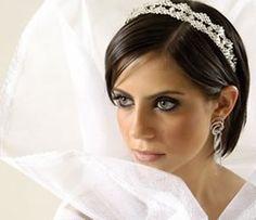 Penteado de noiva para usar com tiaras