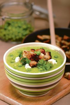 гороховый суп с сырными гренками