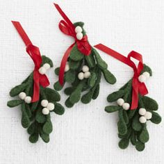 Felt Mistletoe Craft