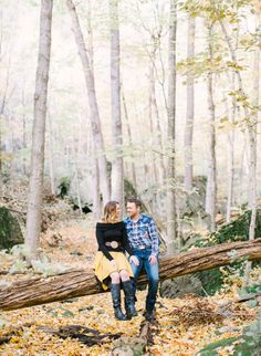 Fine Art Film Wedding Photography | Contax645 Canada Ontario Niagara Gorge Engagement Photos Outdoors Fall Leaves Hike Rustic www.andrewmark.ca