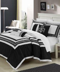 Black Venice Comforter Set by Chic Home Design Bed Sets, Elegant Home Decor, Elegant Homes, Queen Comforter Sets, Bedding Sets, King Comforter, Draps Design, Yin Yang, Beautiful Bedrooms