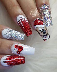 Xmas Nail Art, Cute Christmas Nails, Xmas Nails, Christmas Nail Art Designs, Holiday Nails, Bling Acrylic Nails, Best Acrylic Nails, Gorgeous Nails, Pretty Nails