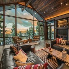 Mountain modern ski retreat with breathtaking views in Lake Tahoe - - A mountain modern, lodge-like ski-in/ski-out getaway was designed by architect Lezley Barclay along with Aspen Leaf Interiors in Lake Tahoe, California. Home Living Room, Living Room Designs, Living Room Decor, Modern Lodge, Mountain Modern, Modern Cabins, Contemporary Interior, Rustic Contemporary, Modern Rustic