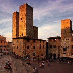 ysvoice:   ♕   Piazza at sunset - San Gimignano, Tuscany   by © B℮n