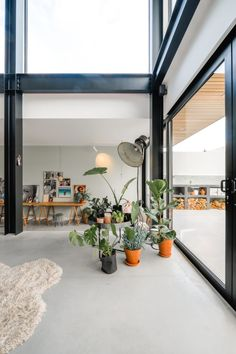 industrial home with visible steel construction in Breda Industrial House, Industrial Interiors, Interior Architecture, Interior And Exterior, Interior Styling, Interior Design, Home Trends, Scandinavian Home, Living Room Interior