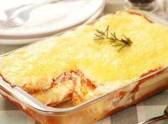 Lasanha Mista de frango, presunto e queijo - Veja como fazer em: http://cybercook.com.br/receita-de-lasanha-mista-de-frango-presunto-e-queijo-r-5-15403.html?pinterest-rec