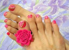 Lovely color and good design Flower Toe Nails, Pink Toe Nails, Simple Toe Nails, Summer Toe Nails, Cute Toe Nails, Feet Nails, Flower Nail Art, Toe Nail Art, Pretty Nails