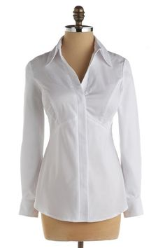 Zarinah Zip Shirt for large bust-love the idea of no gapping between buttons. I still haven't found a great fitting white collared shirt. Rose Shirts, White Shirts, Fat Girl Outfits, Preppy Style, My Style, Plaid Outfits, Fashion Essentials, Work Wardrobe, Fashion Design