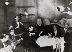 Interior of Chez Bricktops, a Parisian nightclub. Jazz Artists, Jazz Musicians, Gypsy Jazz Guitar, Tatiana Romanov, Django Reinhardt, Joseph, Cool Jazz, Band Pictures, Nostalgia