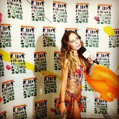 Belinda en los Kids Choice Awards Mexico 2012 - Press Room 03