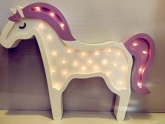 163 besten kinderzimmer einhorn bilder auf pinterest beleuchtung holz und pferdekutsche. Black Bedroom Furniture Sets. Home Design Ideas