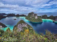 Wayag Islands, Raja Ampat, West Papua, Indonesia