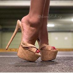 Sexy Legs And Heels, Hot High Heels, Platform High Heels, Platform Mules, Beautiful High Heels, Beautiful Toes, Pumps Heels, Stiletto Heels, Stilettos