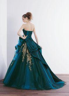 Ball gown 3 : Back Lehnga Dress, Ball Gown Dresses, Evening Dresses, Dress Up, Green Wedding Dresses, Bridesmaid Dresses, Prom Dresses, Ropa Color Pastel, Marine Uniform