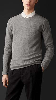 Burberry Engineered Cashmere Sweater  800 Pull Cachemire, Laine, Couleur,  Pulls En Cachemire, 2acb3256201d